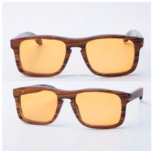 Natural horn and wood sunglasses with bamboo case package, stock horn eyeglasses