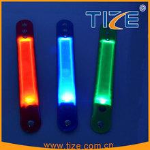 2015 new party favor pvc wristbands customized TZ-W200 led pvc flashlight wristband