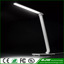White Color High Quality ABS Plastic USB Charger Table Lamp CE Bed Switch