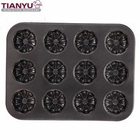 Carbon Steel Bakeware 12 Cup Muffin Pan Round