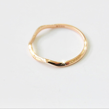 Fashion jewelry simple looking gold designs curve wave joint ring
