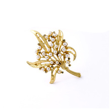 Elegant Pearl Brooch Gold For Women Bridal Fashion Wedding Accessories