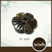 novelty custom flower shaped coconut shell buttons