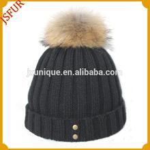 Nuevo producto de invierno sombrero de lana tejido a crochet con Raccoon fur Pom poms