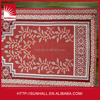 Cheap and high quality customized prayer mat tapestry