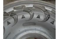 Custom Mine Car OTR Tyre Mould , high precision Solid Tire Mould