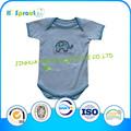 la belleza de ropa del bebé mono para los niños