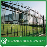 best price decorated ring wire mesh fence post razor barbed wire