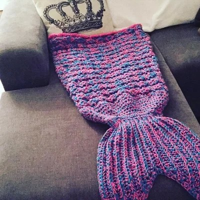 mermaid tail blanket (4).jpg