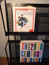 Multi Purpose 3 Tiers Book Display Shelf For Retail Store