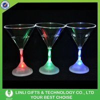 2015 Popular Plastic Color Changing Party LED Glass, Led Cup, LIght Up Glass