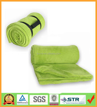 Roll up 100% Polyester Plain Dyed Knitted Anti-Pilling Microplush Blanket With Buckled Carry Handle