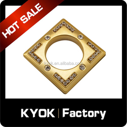 KYOK factory price direct sale square diamond curtain rings, hanging plastic curtain rings wholesale, golden drapery eyelets