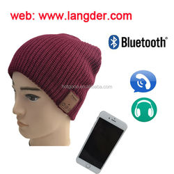 embroidery or woven label logo Bluetooth knitted hat with bluetooth headphone/bluetooth winter knitted wool hat with CE/ROHS
