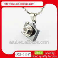 2013 new product cute camera shaped pendant silver charms