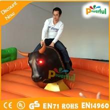 De alta calidad nueva baratos inflables rodeo toro para la diversión/inflable mechanical bull para la venta