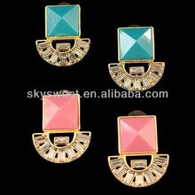 Newest deisgn Pink/bule Resin of Gold Plated Zinc Alloy Earring with Crystal SWTE00154