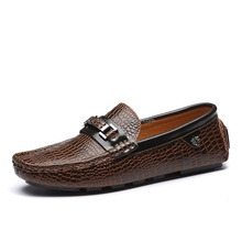 fashion crozzling mens flat sole casual shoes loafers sample, high quality men peas shoes flats casual made in jinjiang