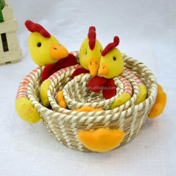 Environmental protection and energy saving straw basket Easter decoration egg basket Chicken hold fruit basket