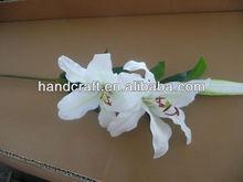 Flor del lirio de seda artificial