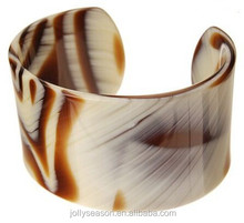 Luxurious allure sexy durable cellulose acetate animal print cuff bracelet open bangle top sales fashion jewelry