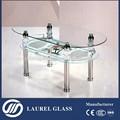 mesa ovalada de cristal