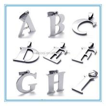 2015 newest design popular fashion name initial pendant