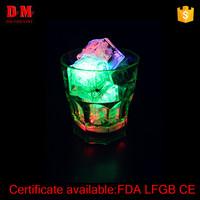 2016 China popular plastic custom led light flashing cup