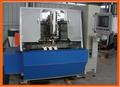 Alta velocidade de 5 eixos 3 cabeças CNC perfuração e inserir tufos escova que faz a máquina / vassoura que faz a máquina ( 2 de perfuração e 1 inserir tufos )