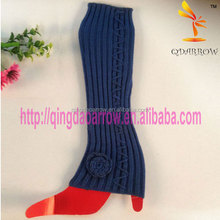 Knee high flat knitted leg warmer with rose pad