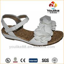 yl6603 caliente venta al por mayor minion plana de zapatillas y zapatos