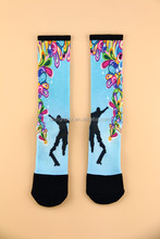 Custom technical stretchable men socks basketball / football pattern exercise men dress socks
