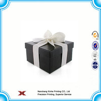 gift wrapping paper boxes