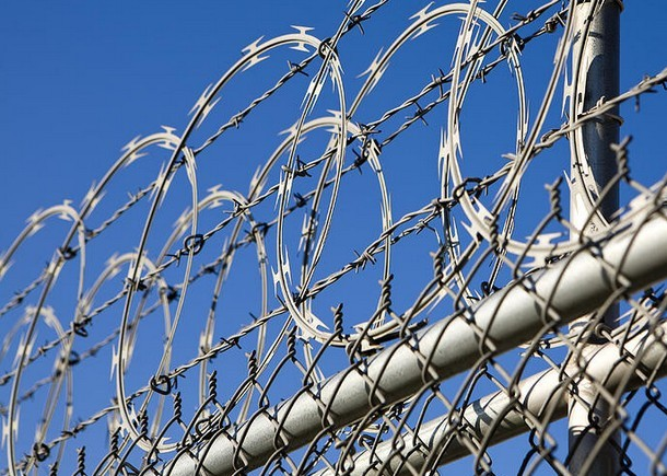 razor-barbed-wire-chain-link-fence.jpg