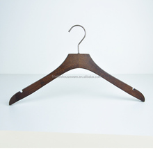 Manufacturer Provide toy deluxe suits hanger with locking bar high quality