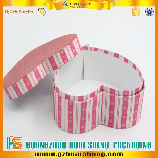 O projeto do OEM símbolo do coração de papelão caixa de presente para doces / chocolate embalagem