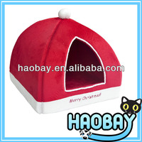 Red Turreted Christmas Design Dog Pet House Bed