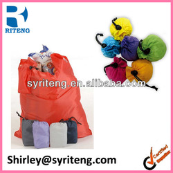 promotional cheap nylon foldable reusable roll-up shopping bag in pouch