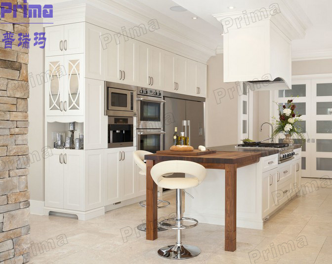 Latest wooden cupboard design modern italian kitchen for Latest italian kitchen design