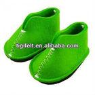 Eco- friendly sapatos de feltro em cores diferentes