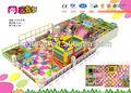 el árbol de coco de juego de la diversión, zona de juegos para niños en edad preescolar