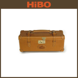 single bottole wooden frame leather wine carrier