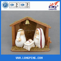 Special Handmade Religious Funny Polyresin Nativity Item with Wood House