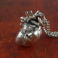 New arrival zinc alloy cheap anatomical heart pendant necklace