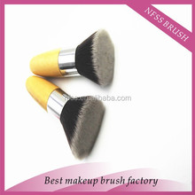 hot sale cheap price bamboo synthetic/taklon hair flat kabuki foundation makeup brush