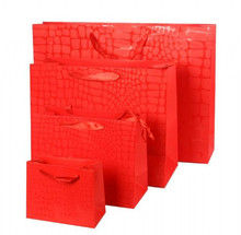 2015 new fancy crocodile grain print red color various size of paper gift bag