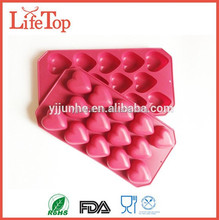 Stains and Odors Resistant Silicone 12 Cavity Heart Pan