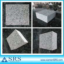 Granite G603 paving cubes with flamed top and saw cut edges