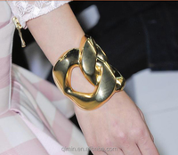 Europe style 24K gold plated yong people fashoin style 2015 lateset bracelet