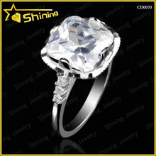 2015 fashion pure silver jewelry square cut synthetic gemstone silver diamond wedding ring